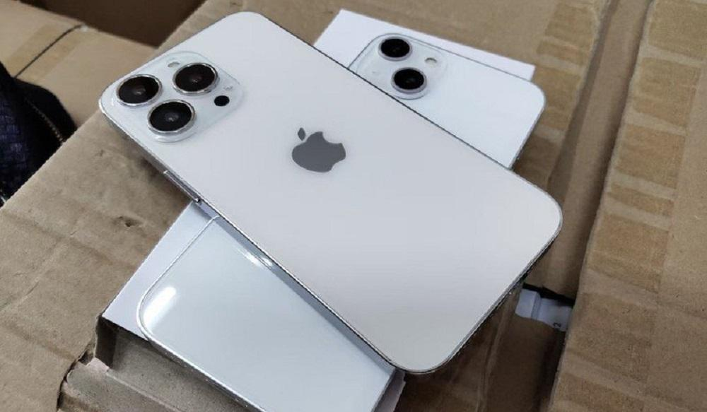 maquete do iphone 13